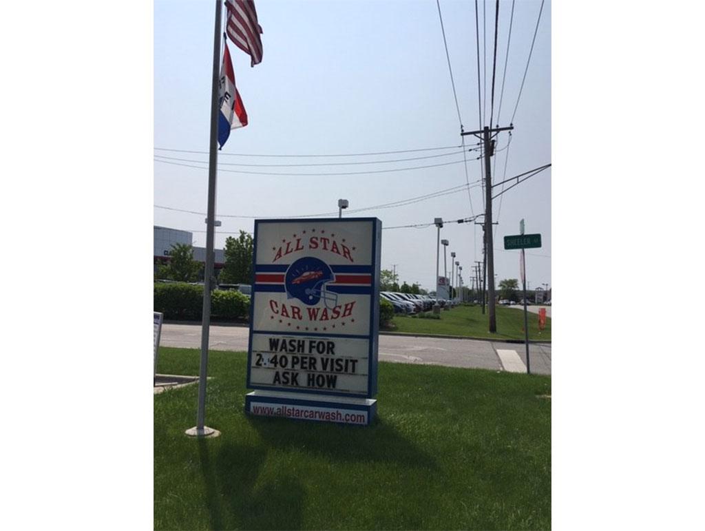 527 N Green Bay Rd, Waukegan, IL 60085