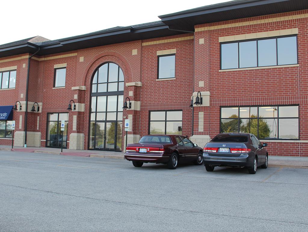 4015 Plainfield-Naperville Rd, Naperville, IL 60564
