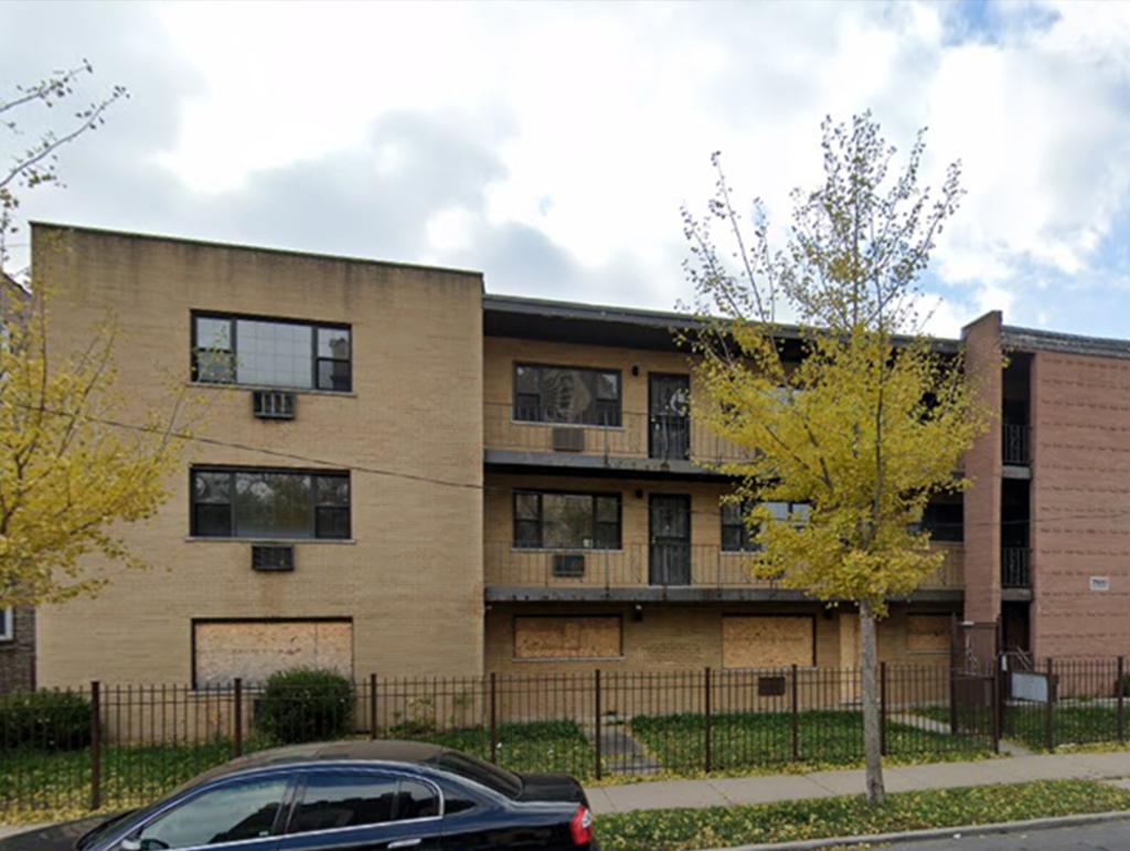 7800 S Coles Avenue, Chicago, IL 60649