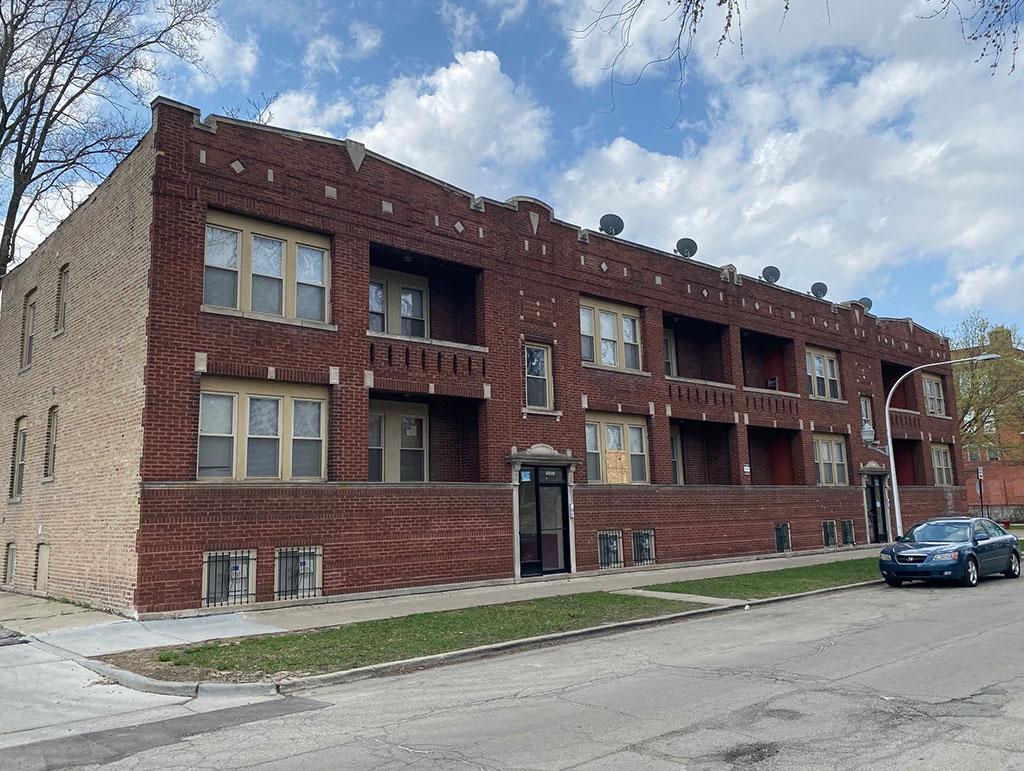 1649 W 61st St Chicago, IL 60636